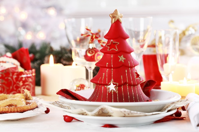 Красная елка-свеча