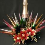 Как красиво украсить бутылку шампанского на новый год конфетами