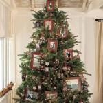 Новогодняя елка украшенная фотографиями
