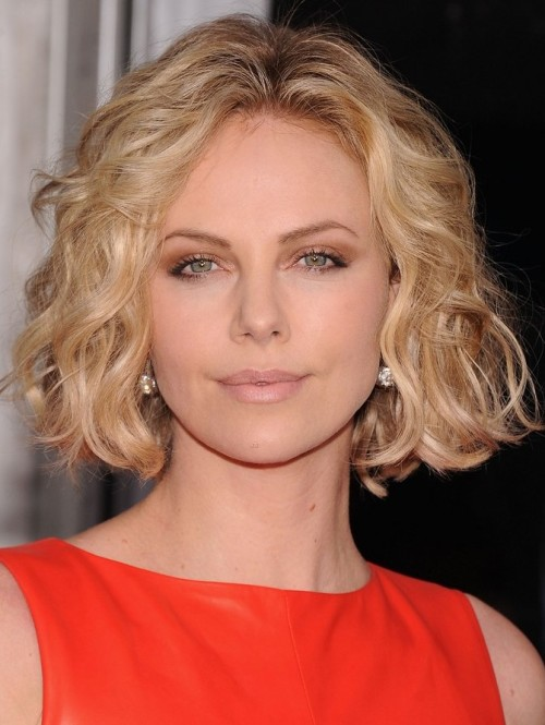 charlize-theron-young-adult-nyc-premiere-02
