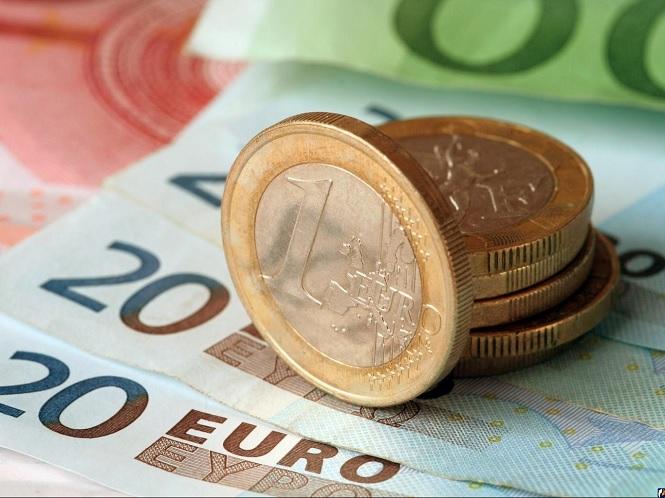 Прогноз курса евро на 2017 год, сколько будет стоить валюта в России