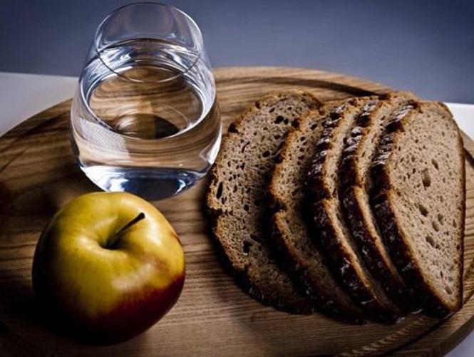 Тонко нарезанный хлеб