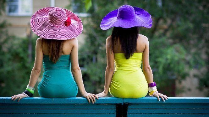 Две шляпы
