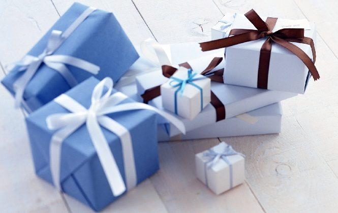 Коробки с лентами для упаковки подарков