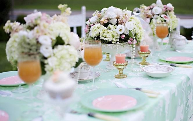 Пример украшения свадебного стола