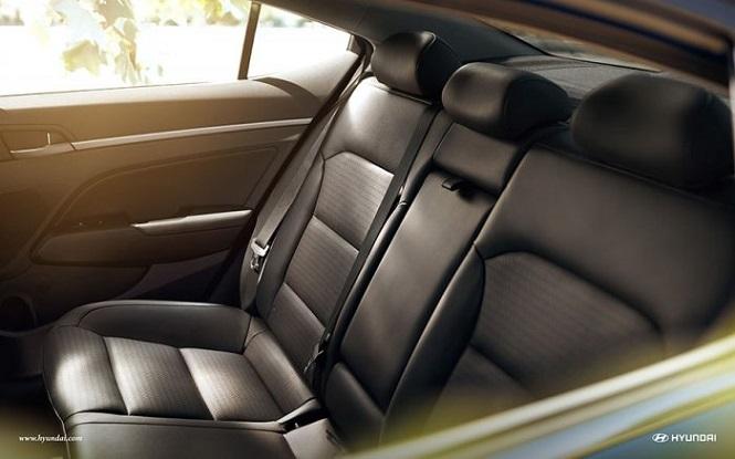 Удобные задние кожаные сидения с подогревом
