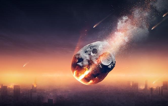 Падение большого камня с неба на нашу планету