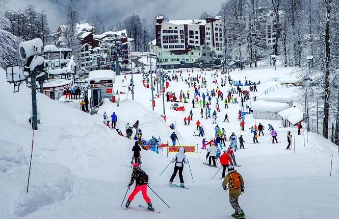Массовое катание на лыжах
