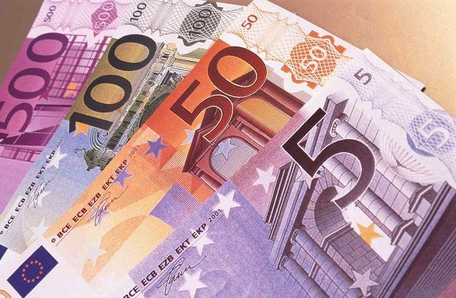 Мелкие и большие купюры валюты