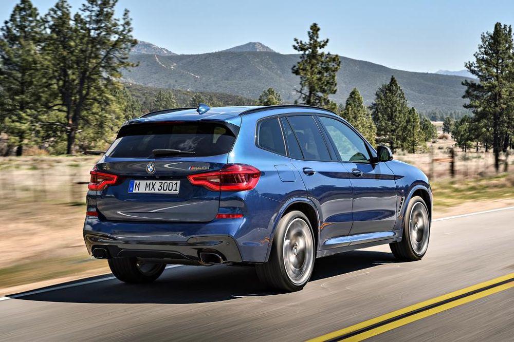 BMW X3 M40i сзади
