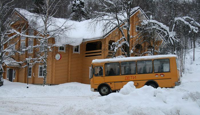 школьный автобус зимой