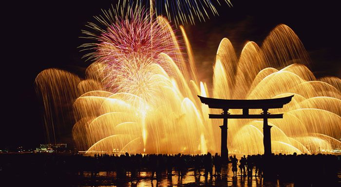 Новогодняя ночь в Японии
