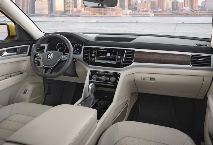 Volkswagen Teramont 2018 передняя панель