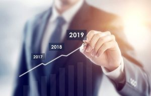 Зарплаты госслужащих в 2019 году: повышение индексация, стимуляционные